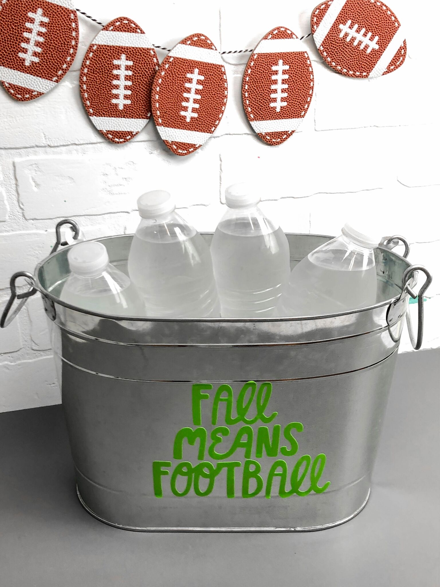 GAME DAY CRAFT IDEA WITH YOUR CRICUT - Makers Gonna Learn