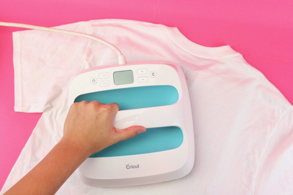 Heat the back of your shirt with the EasyPress