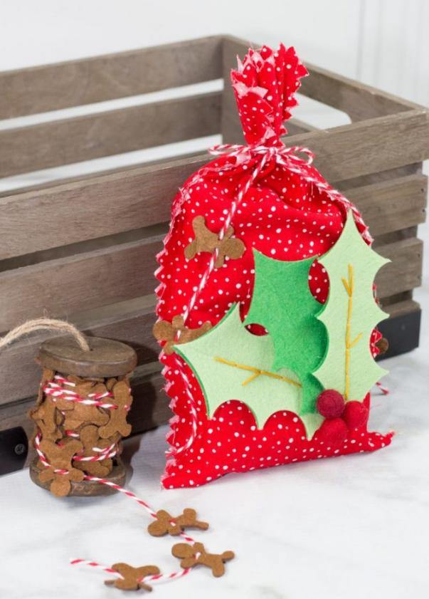 No Sew Neighbor Gift Bags Cricut Maker