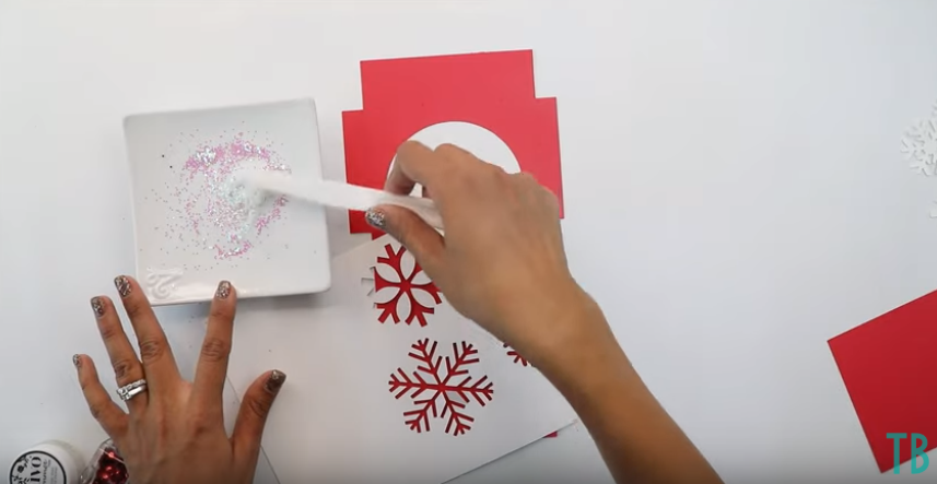 Mix Glitter And Clear Glue Together To Make Your Own Glitter Glue
