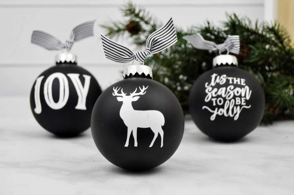 Christmas Ornaments With Vinyl to make with your SIlhouette