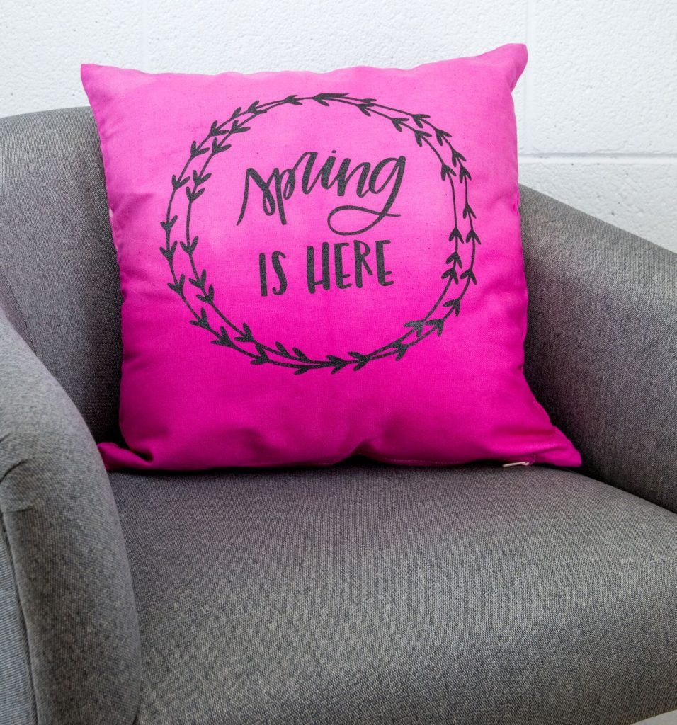 Diy Dip Dyed Cricut Pillow