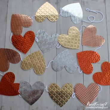Metallic Heart Valentine Garland
