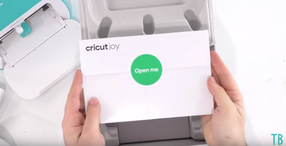 Whats In The Cricut Joy Box