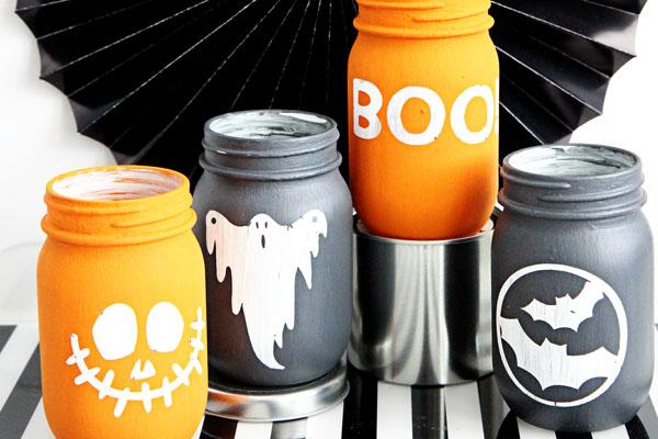 Chalky Halloween Mason Jar Luminaries