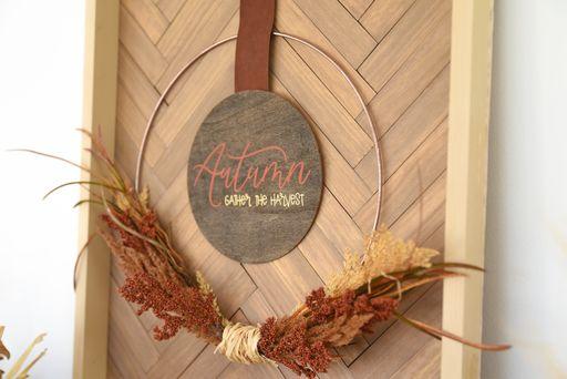 Autumn Sign made with Cricut