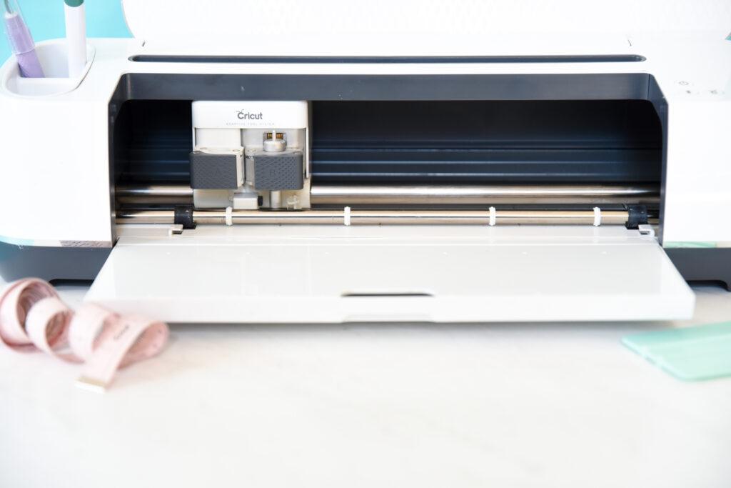 Cricut die cutting machine