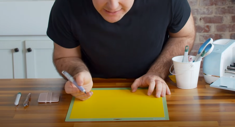 Cut Away Excess Vinyl With Trucontrol Knife
