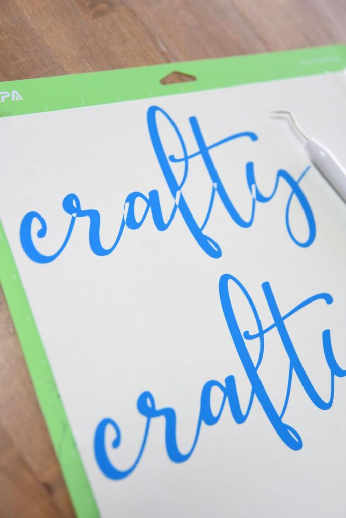 cursive font cut out using Attach vs. using Weld