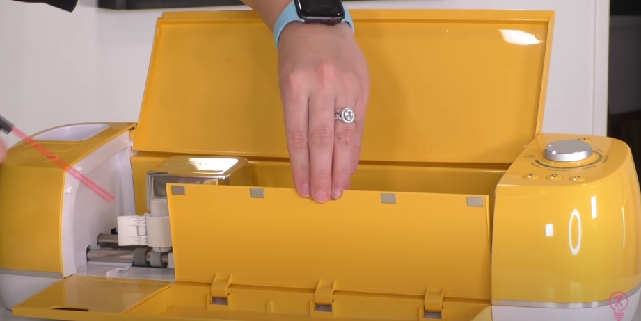Cleaning Cricut Storage Trays With Canned Air