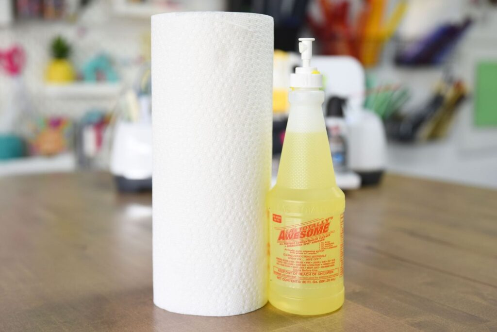 LA's Totally Awesome Cleaner and a roll of paper towels